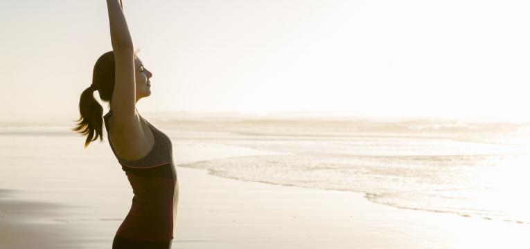 zinco mulher na praia
