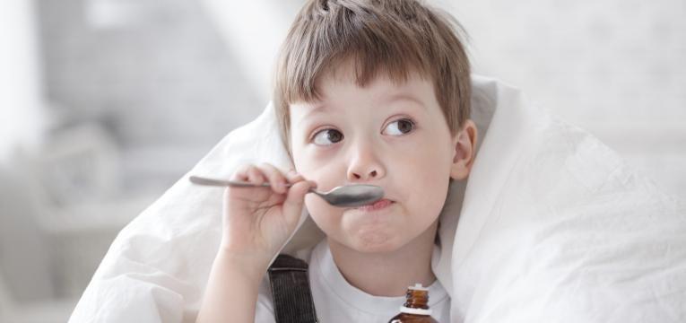 amigdalite cronica crianca a tomar xarope