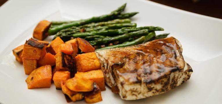 Bacalhau no forno com batata-doce