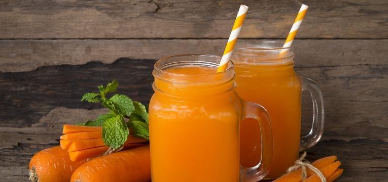 receitas com agua de coco smoothie de cenoura e manga