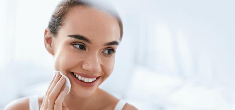pele desidratada limpar a pele