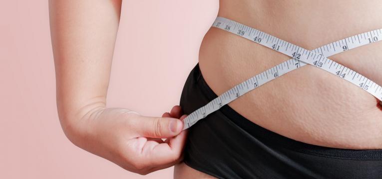 acidos gordos trans mulher com obesidade
