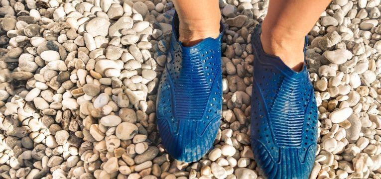 picada de peixe aranha sapatos de plastico