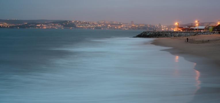 melhores praias para surfar costa da caparica