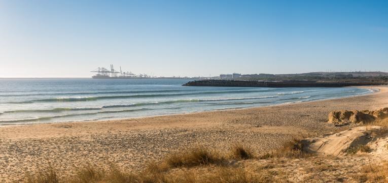 melhores praias para surfar sao torpes