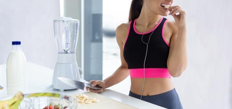 excesso de gordura abdominal mulher a comer depois do exercicio