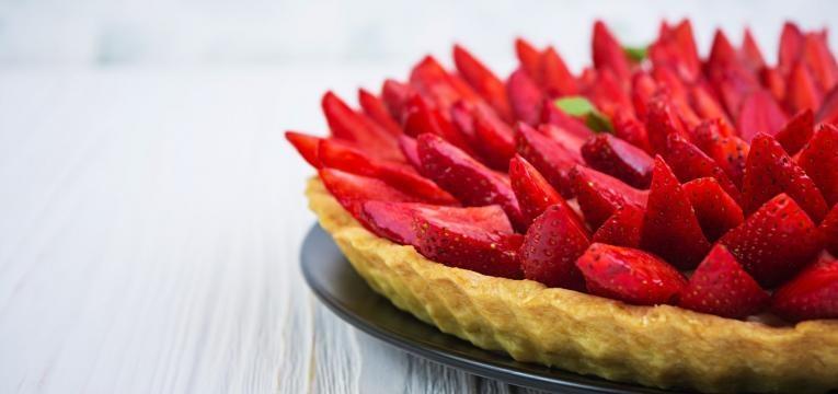 tarte folhada de morangos com chantilly
