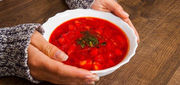 sopa de beterraba com cenoura