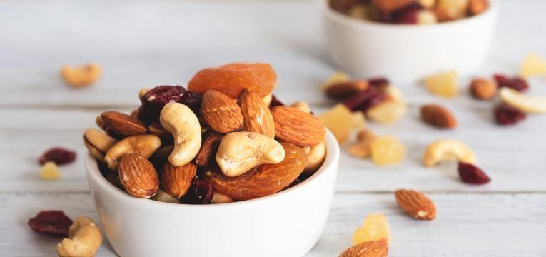 alimentos vegan ricos em proteina frutos oleoginosos