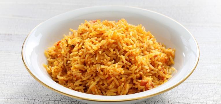 arroz de tomate com filetes de peixe ao forno
