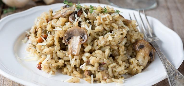 risotto vegan de legumes e cogumelos