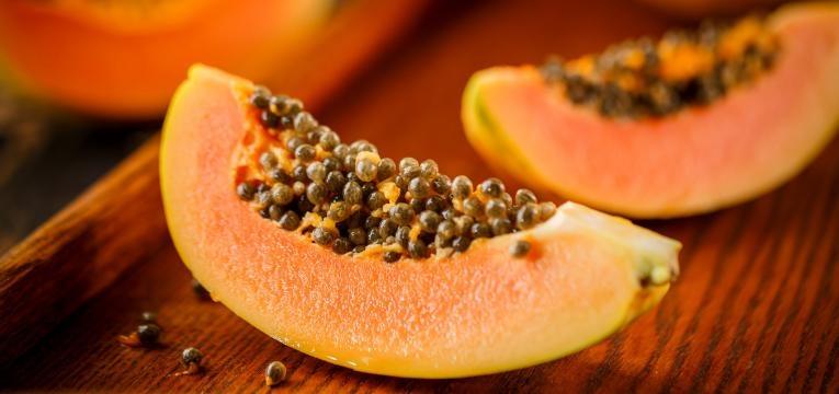 alimentos geneticamente modificados fatia de papaia