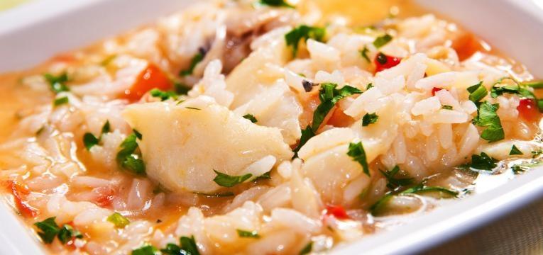 arroz de peixe com tomate