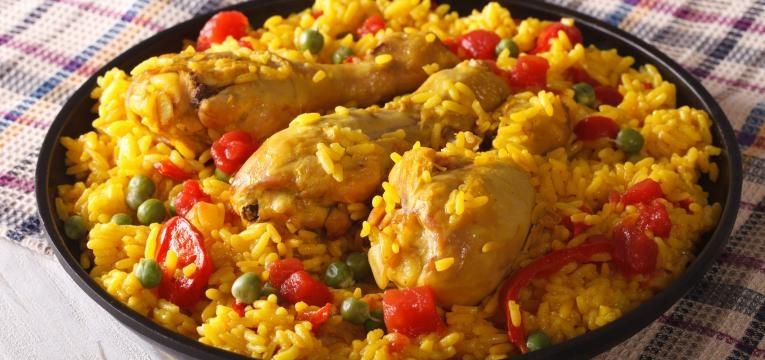 arroz malandro com frango bacon e salsichas