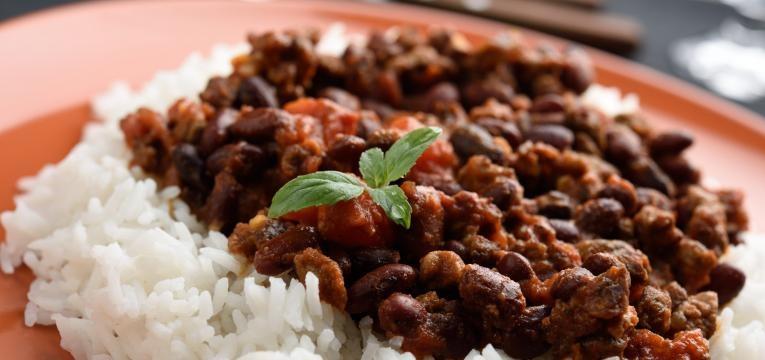 arroz malandro com carne de porco e feijao