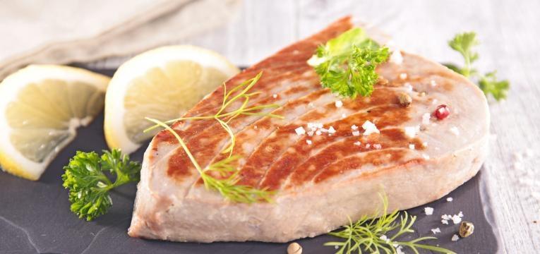 receitas para uma dieta equilibrada bife de atum grelhado