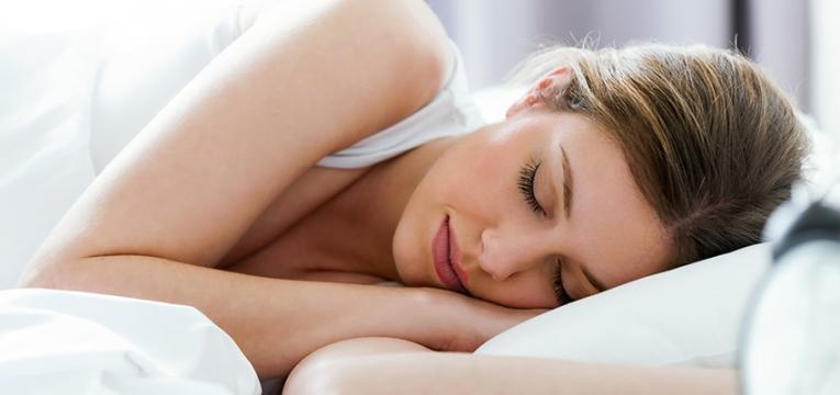 hábitos de vida saudáveis: dormir bem