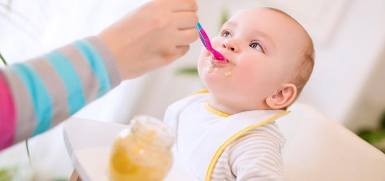 DGS lança manual com recomendações para alimentação de bebés e crianças