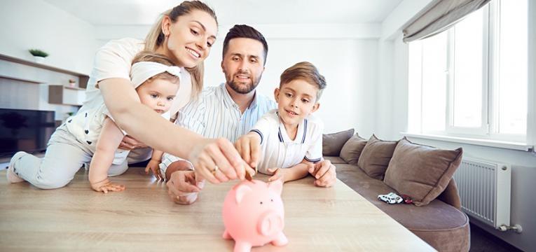 Mesada para crianças: educação financeira na infância