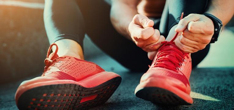 hábitos de vida saudáveis: praticar exercício físico