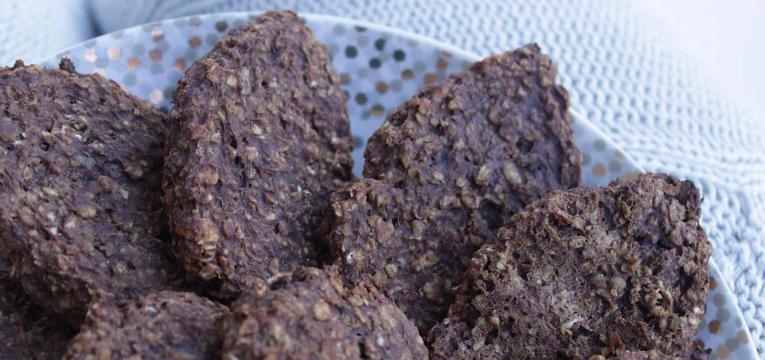 bolachas de chocolate tipo Belvita saudaveis