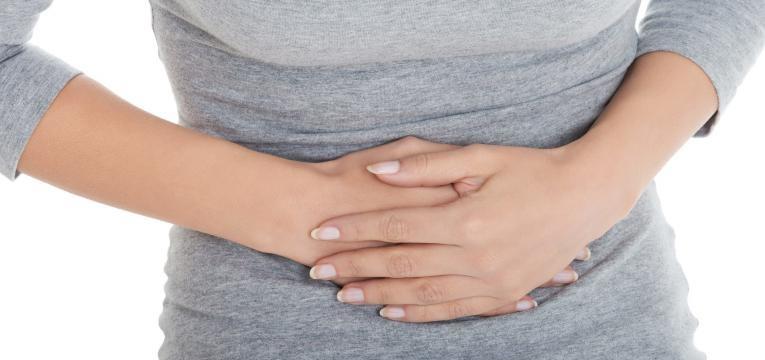 sintomas de problemas no figado e distencao abdominal