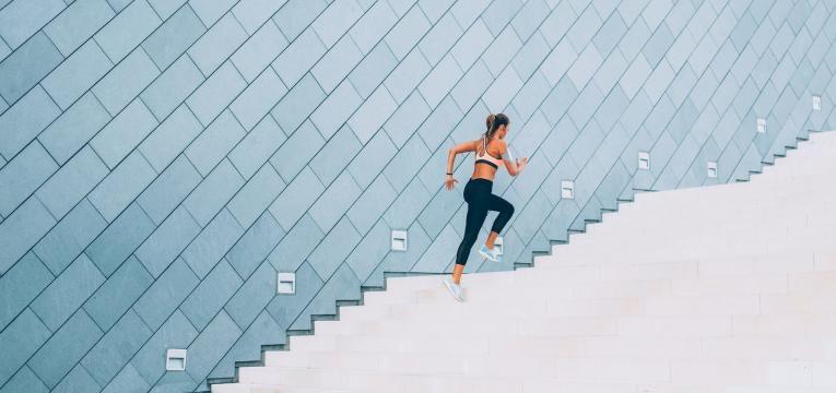 exercicio fisico em escadas