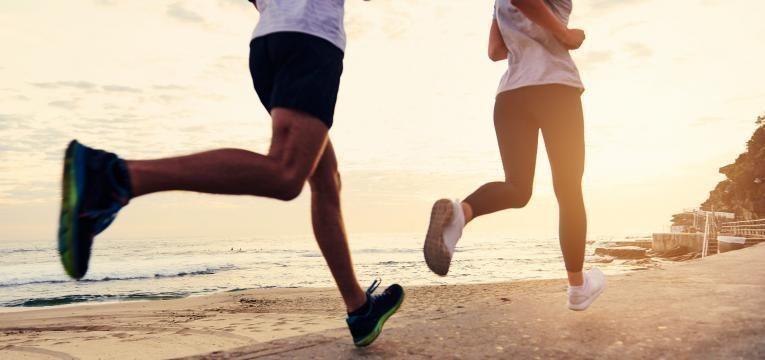 correr na praia