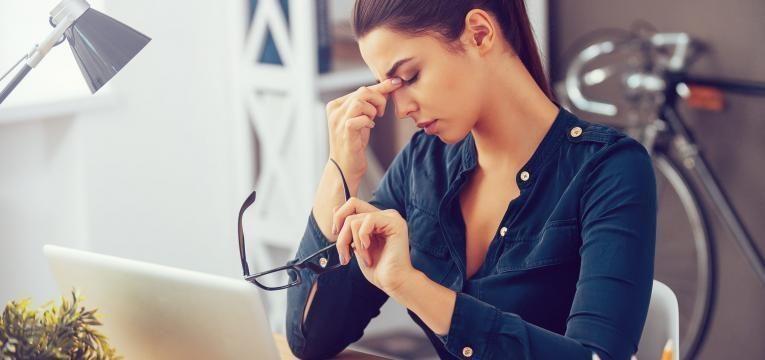 falta de apetite sexual mulher com stress no trabalho