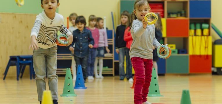 na escola em quais as melhores modalidades para as crianças praticarem