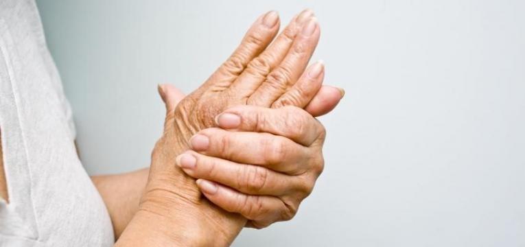 artrite nas maos