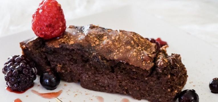 bolinho de chocolate e batata-doce