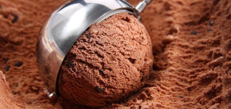 gelado de alfarroba