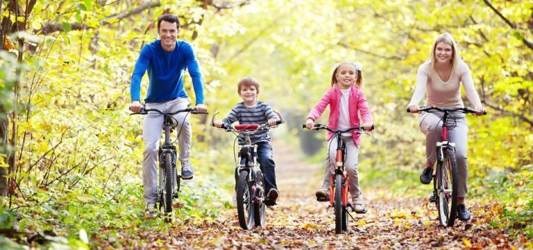 slow parenting e familia divertida