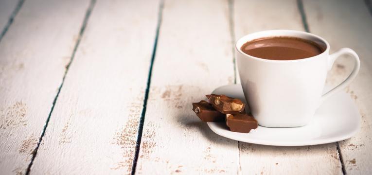 Chocolate quente saudavel com iogurte magro