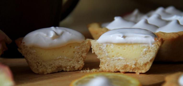 Tarteletes doces de limao merengadas