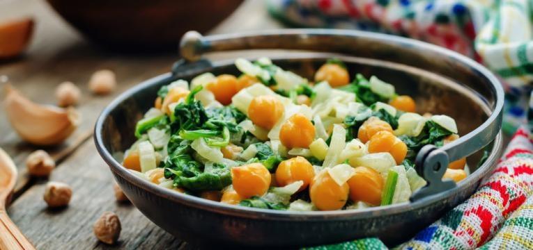 Salada de grao-de-bico agridoce