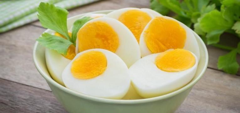 metades de ovos