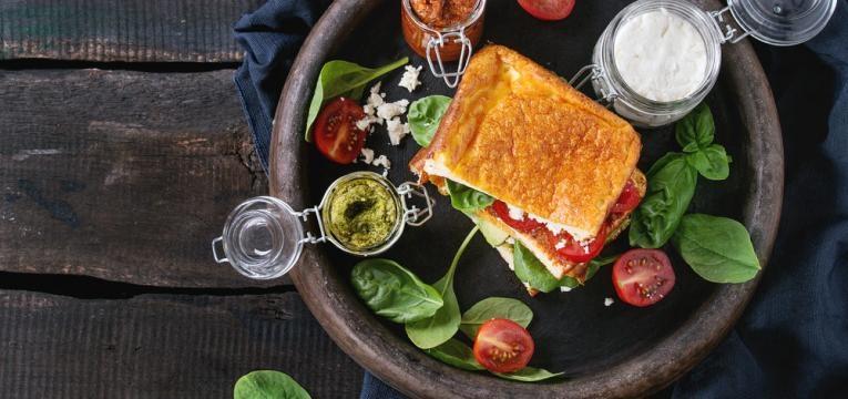 Refeicoes rapidas com menos de 300kcal e Sandes de tomate e pesto