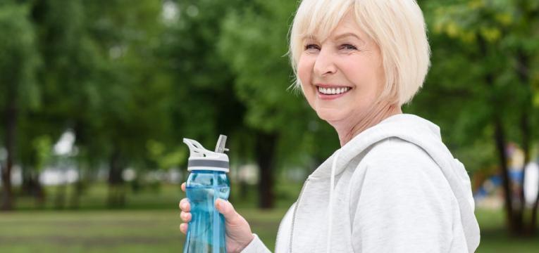 mitos sobre a retencao de liquidos e consumo de agua