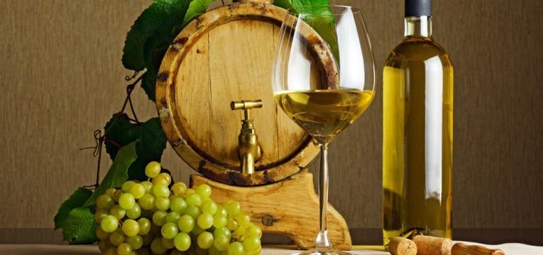 Vinho branco meio-seco