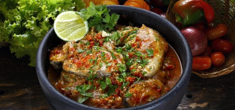 Cataplana de peixe com batata-doce e gengibre