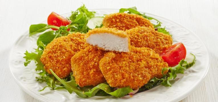 Panados de frango saudaveis com pao ralado