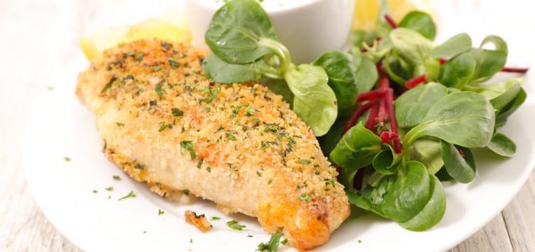 Panados de frango saudaveis com quinoa