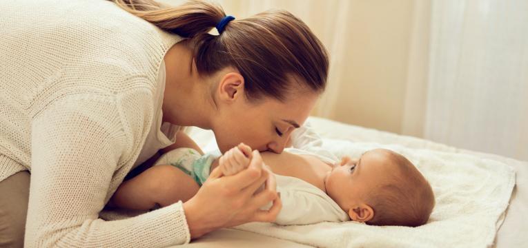 como saber se o bebe tem frio ou calor