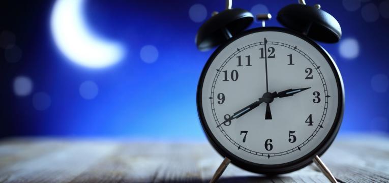 quantas horas deve dormir por dia