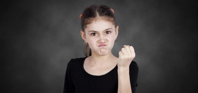 crianca agressiva na escola
