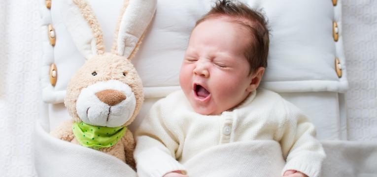 como vestir o seu bebe para dormir no tempo frio