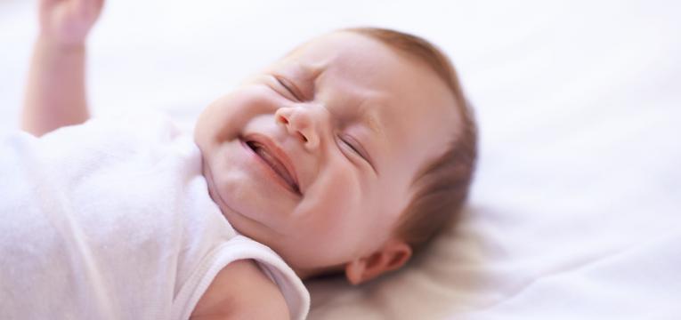 Se o bebe chorar de noite nao ir imediatamente ter com ele