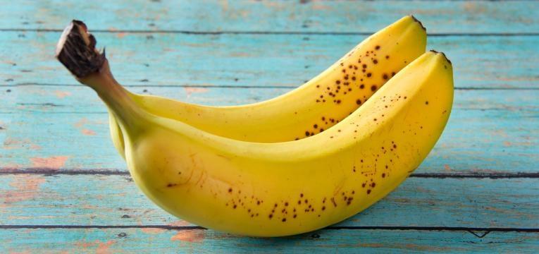 papinhas para bebes e duas bananas